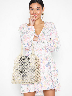 Handväskor - NLY Accessories Lovely Straw Bag