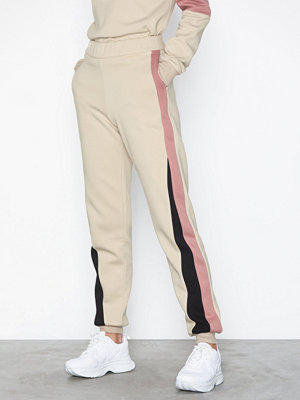 NLY Trend omönstrade byxor Colorblock Pants