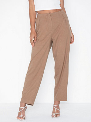 Selected Femme beige byxor Slfmargery Mw Ankle Pant B