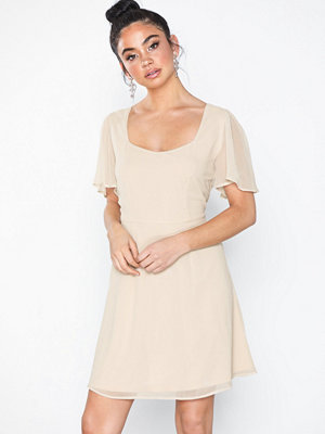 NLY Eve Square Neck SS Dress