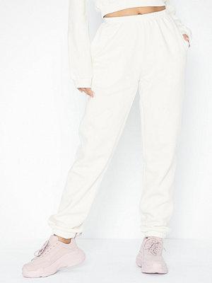 NLY Trend vita byxor Cozy Sweat Pants Vit