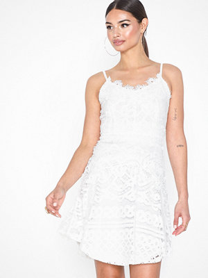 Sisters Point Fanny Lace Short Dress