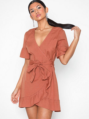 NLY Trend Mini Frill Dress Röd