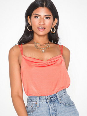Toppar - NLY Trend Strappy Back Top