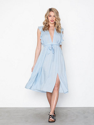 Glamorous Short Sleeve V Neck Dress