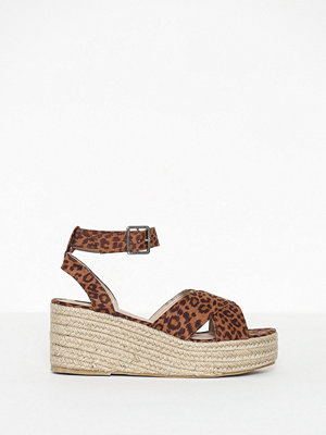NLY Shoes Braided Platform Sandal