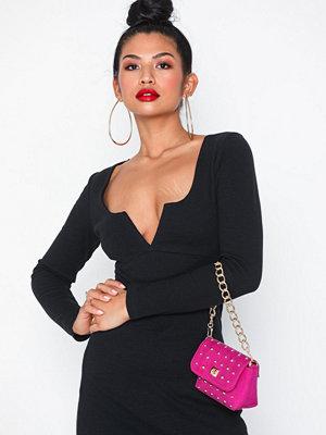 NLY Accessories rosa axelväska Adorable Stud Bag