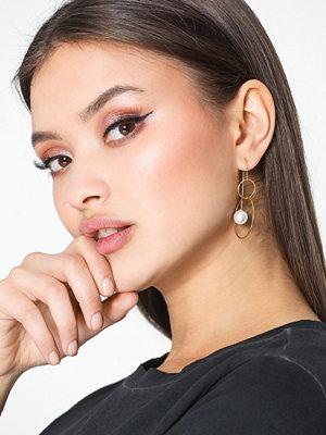 WOS örhängen Soul Pearl Earrings