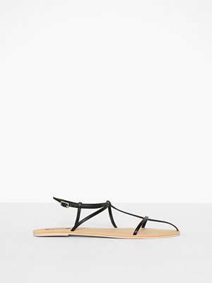 NLY Shoes Thin Multi Strap Sandal