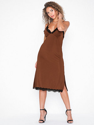 NLY Trend Slinky Lace Dress