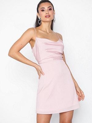 NLY Trend Cami Dress Ljus Rosa