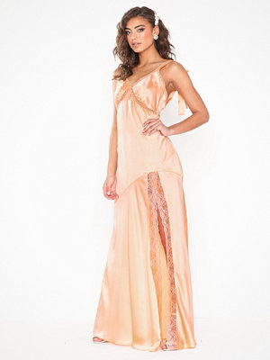 NLY Eve Bow Slip Gown