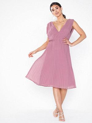 NLY Eve Plisse Goddess Dress