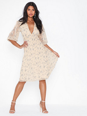 NLY Eve Flower Balloon Sleeve Dress