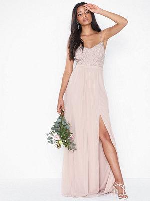 Festklänningar - NLY Eve Endless Love Gown