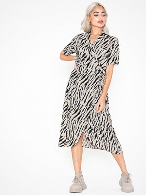 Pieces Pceyva Ss Wrap Dress