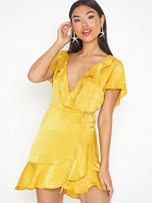 Missguided Peached Satin Frill Wrap Dress