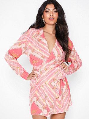 Festklänningar - NLY One Resort Mini Dress