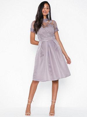 Festklänningar - Little Mistress Knee Length Embroidery Mesh Dress