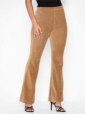 Pieces beige byxor Pciroa Flared Pants D2D