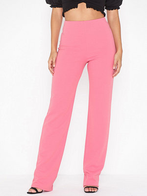 NLY One Straight Crepe Pant Rosa byxor