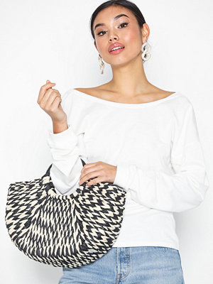 NLY Accessories Flirty Straw Bag Svart/Vit