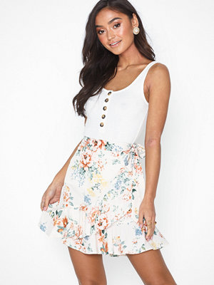 NLY Trend Short Frill Skirt