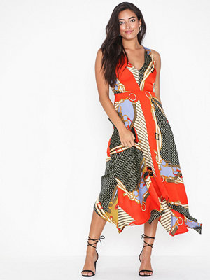 Ax Paris Sleeveless V Neck Dress