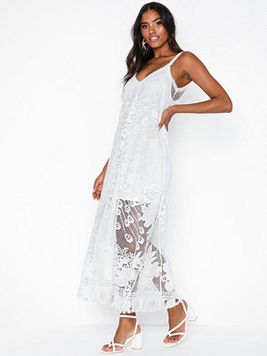 Kiss The Sky Lace Maxi Dress