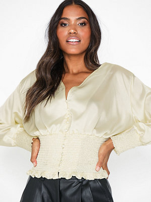 Toppar - Missguided Satin Shirred Top Cream