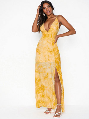 Missguided Cami Plunge Maxi Dress