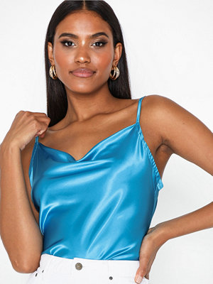 Toppar - NLY One Satin Cowl Top