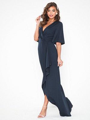 Festklänningar - NLY Eve Drapy Wrap Gown