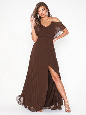 NLY Eve Breezy Pleated Gown