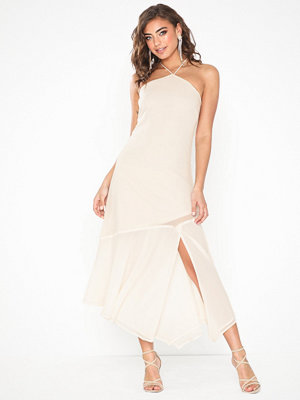 NLY Eve Halterneck Flowy Dress