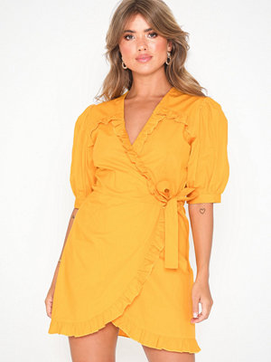NLY Trend Wrap Blouse Dress Gul