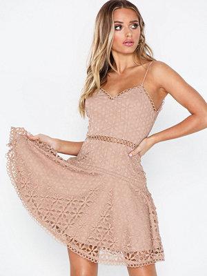 Festklänningar - Love Triangle Perfect World Mini Dress