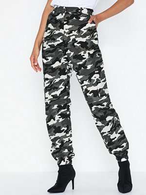 Missguided mönstrade byxor High Waisted Cargo Trousers