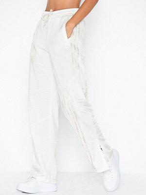 Adidas Originals vita byxor Dc Fb Tp