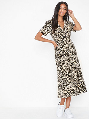 NLY Trend Flowy Long Shirt Dress