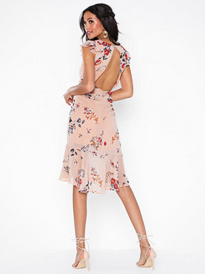 NLY Eve Shaped Flounce Dress