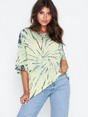 Missguided Tie Dye Oversized T-Shirt