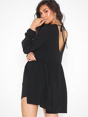 NLY Trend Deep Back Shift Dress