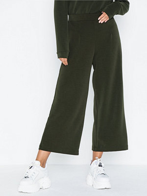 Selected Femme omönstrade byxor Slftuija Tea Mw Cropped Wide Pants