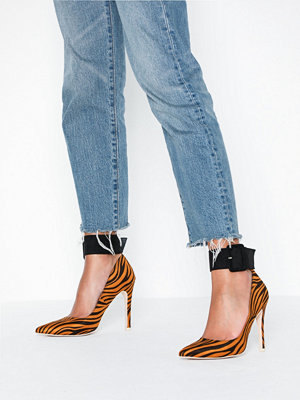 NLY Shoes Buckle Pump