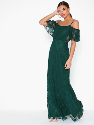 NLY Eve Dream Off Shoulder Lace Gown Grön