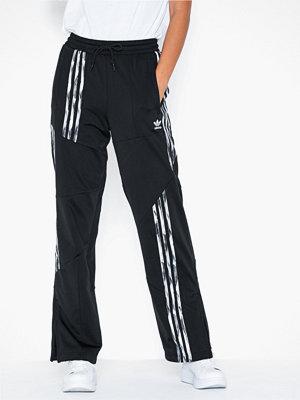 Adidas Originals svarta byxor Dc Fb Tp