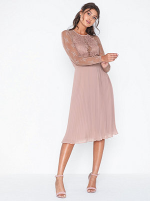 NLY Trend Something About Her Midi Dress Dusty Rose