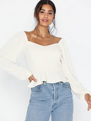 Toppar - NLY Trend Sweetheart Puff Top