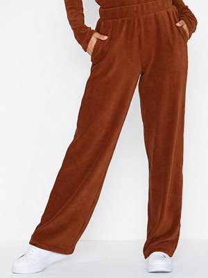 Pieces bruna byxor Pcholly Mw Wide Pant